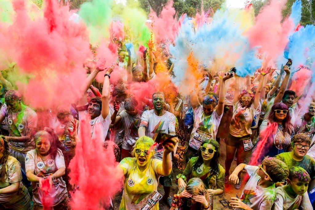 Un'esplosione di colori ha invaso Parma – 5.089 i color runner alla tappa inaugurale